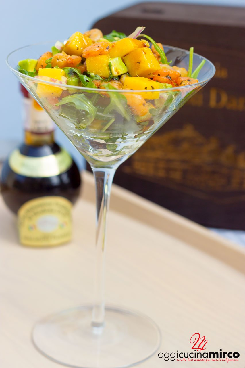 cocktail di gamberi mango e avocado