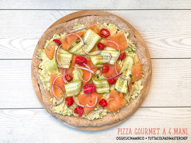 pizza-integrale-semi-di-chia-avocado-salmone