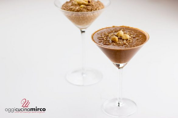 mousse di avocado al cacao